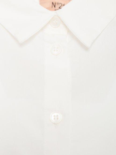 Удлиненная рубашка с ажурной вставкой на спинке - Деталь