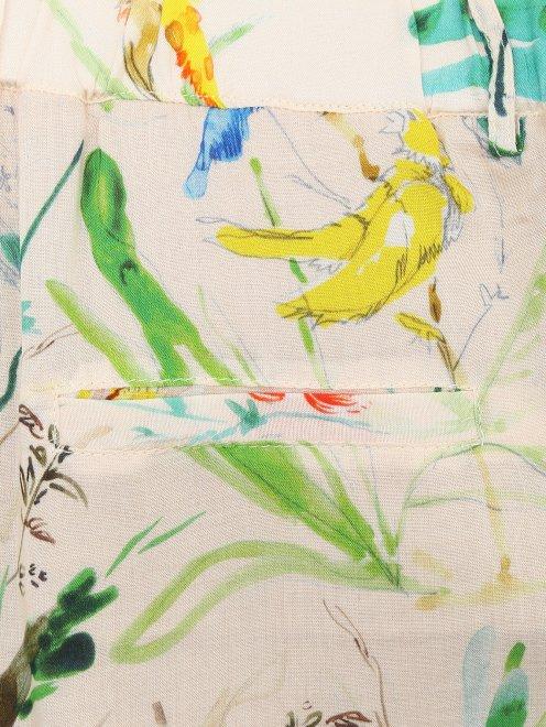 Шорты на резинке с растительным узором - Деталь